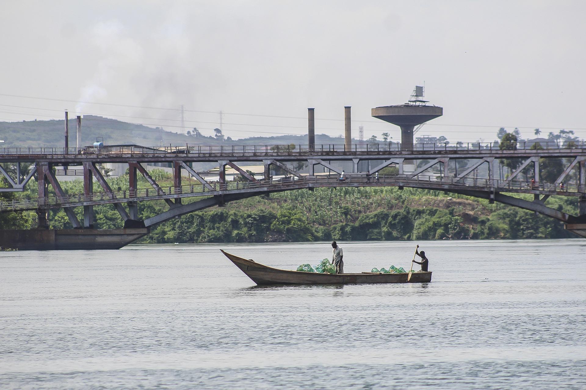 Navegar el río Nilo en Kampala (Uganda)